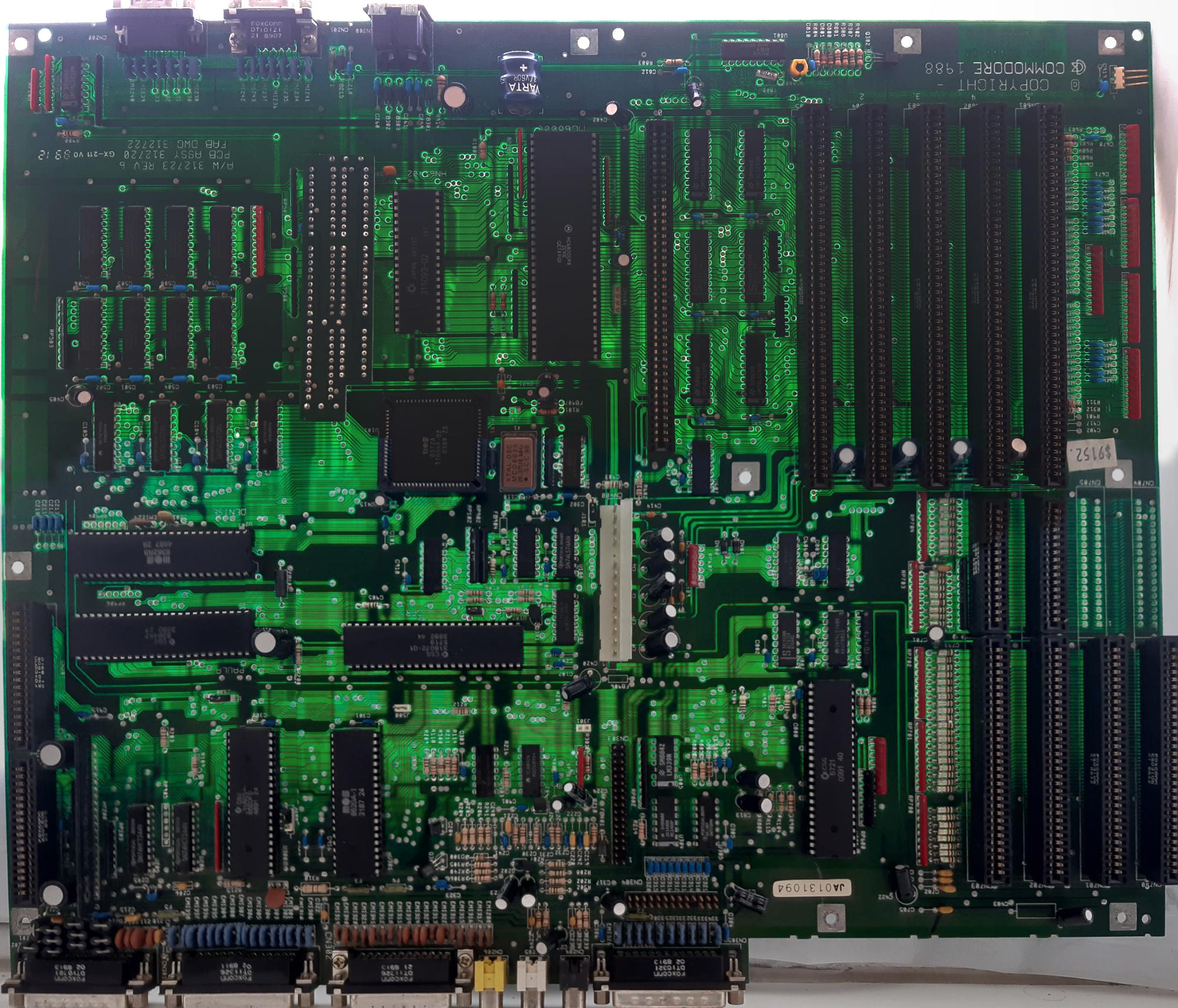 a2000b_complete_logicboard_retro20211009