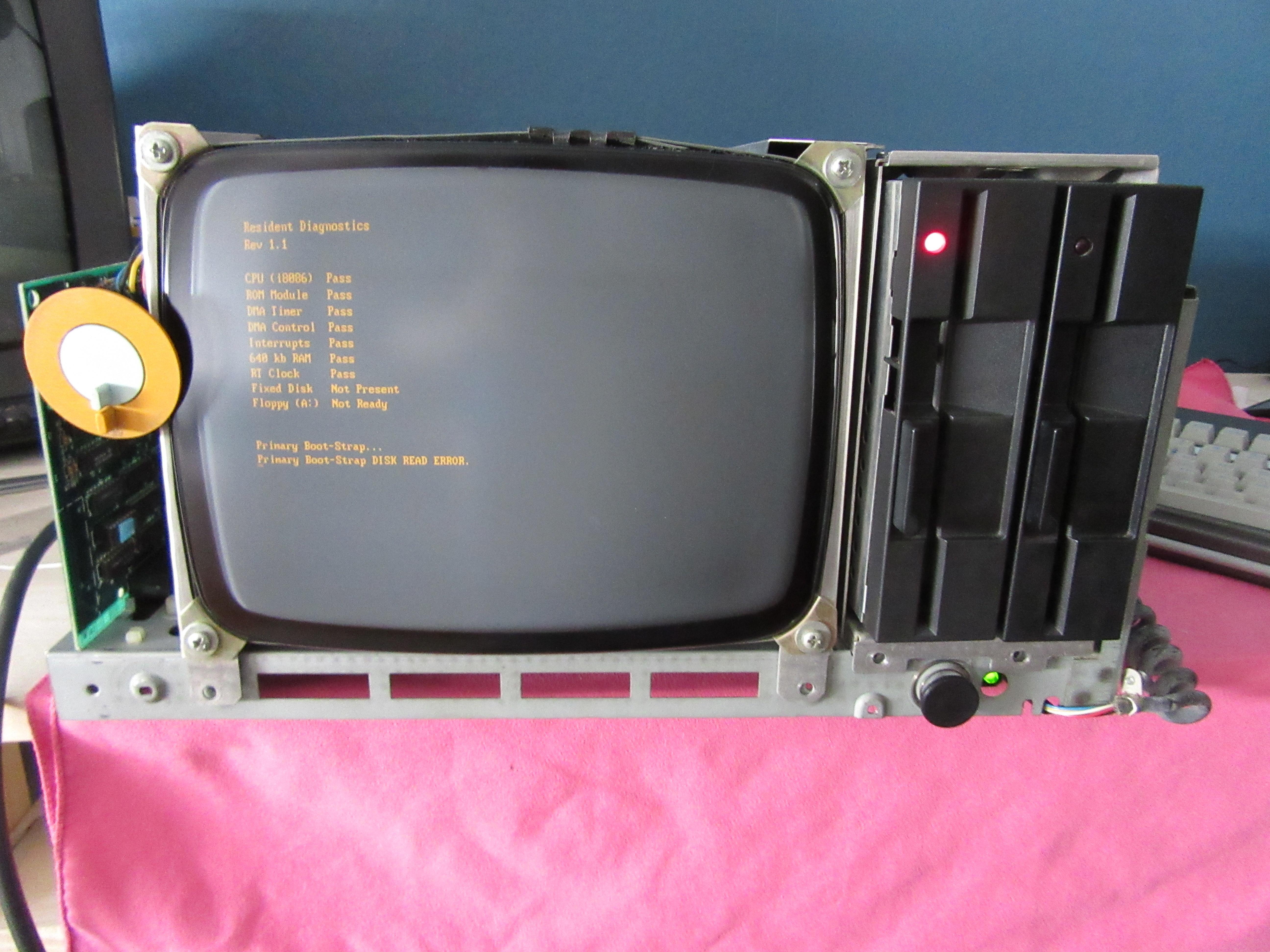 Olivetti M21 (de loin)